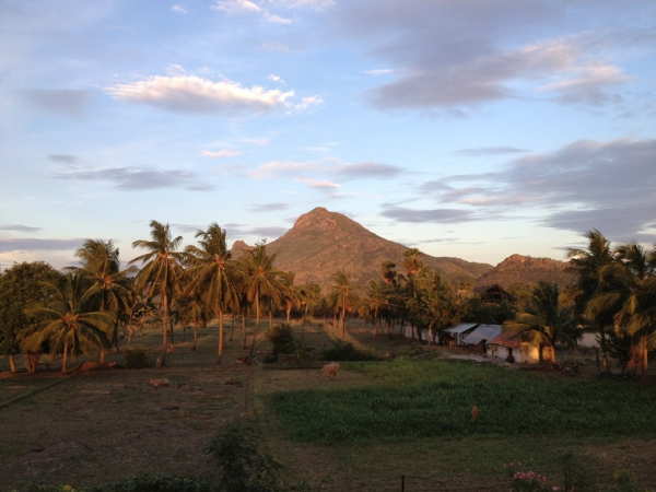 blick-arunachala-divine-light-temple